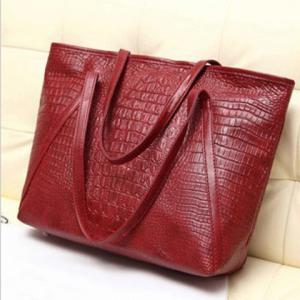 Crocodile Embossing Faux Leather Shoulder Bag - Red - 42