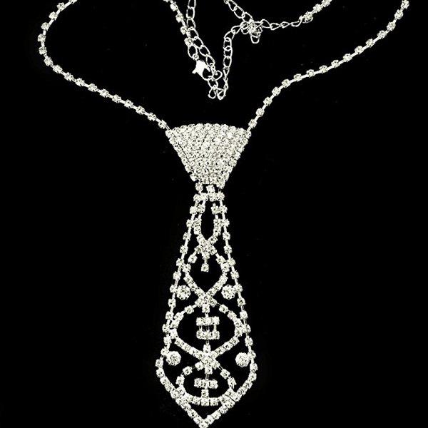 Vintage Rhinestone Geometric Bowtie NecklaceJEWELRY<br><br>Color: SILVER; Item Type: Pendant Necklace; Gender: For Women; Style: Trendy; Shape/Pattern: Geometric; Length: 45CM; Weight: 0.070kg; Package Contents: 1 x Necklace;