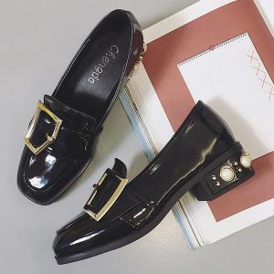 Buckle Straps Patent Leather Flat Shoes -