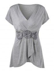 Plus Size Stereo Flower Overlap V Neck T-Shirt - GRAY