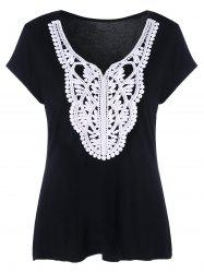 Plus Size Crochet Applique T-Shirt