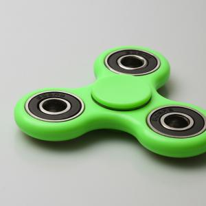 Fidget Toy Triangle main Spinner Finger Gyro - Vert