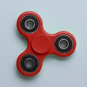Fidget Toy Triangle main Spinner Finger Gyro - Rouge