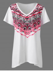 Zigzag V Neck Plus Size T-Shirt