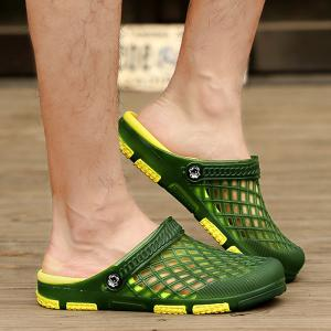 Plastic Hollow Out Slippers - Green - 40