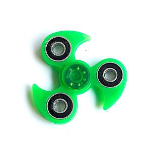 Glow in the dark Focus Toy Plastic Finger Tri-Spinner -