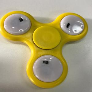 Flash Triangle Finger Toy Fidget Spinner - YELLOW
