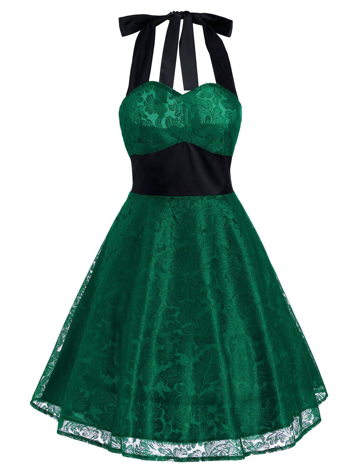 Vintage Halter Lace Panel Contrast Flare DressWOMEN<br><br>Size: M; Color: GREEN; Style: Vintage; Material: Polyester; Silhouette: A-Line; Dresses Length: Knee-Length; Neckline: Halter; Sleeve Length: Sleeveless; Embellishment: Lace; Pattern Type: Patchwork; With Belt: No; Season: Summer; Weight: 0.2300kg; Package Contents: 1 x Dress;