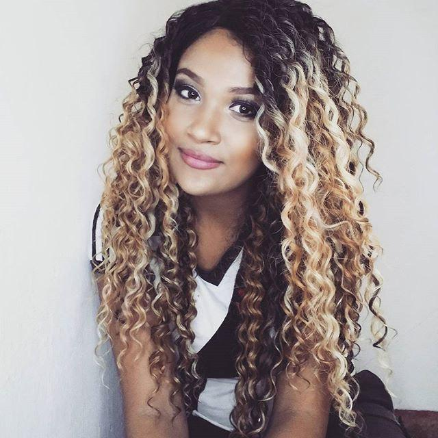 Side Part Long Shaggy Curly Colormix Synthetic WigHAIR<br><br>Color: COLORMIX; Type: Full Wigs; Cap Construction: Capless; Style: Curly; Material: Synthetic Hair; Bang Type: Side; Length: Long; Length Size(CM): 58; Weight: 0.2900kg; Package Contents: 1 x Wig;