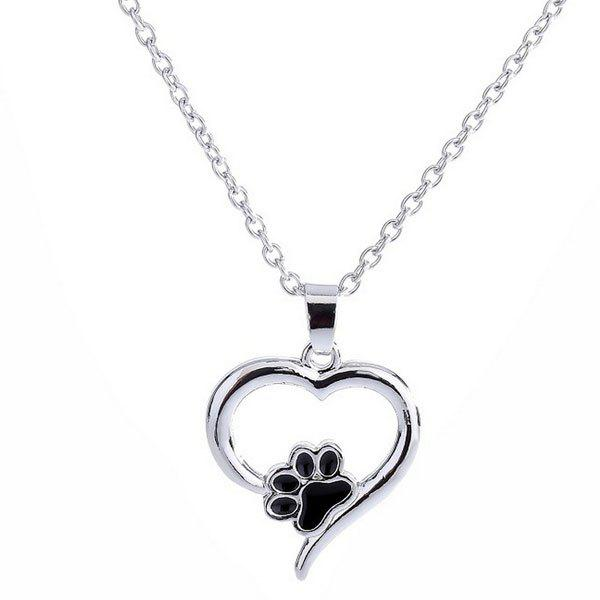 Love Heart Shape Claw Pendant NecklaceJEWELRY<br><br>Color: SILVER; Item Type: Pendant Necklace; Gender: For Women; Necklace Type: Link Chain; Metal Type: Alloy; Style: Trendy; Shape/Pattern: Heart; Length: 50CM; Weight: 0.0300kg; Package Contents: 1 x Necklace;