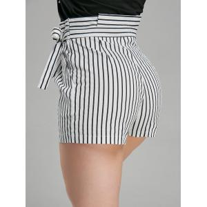 Belted High Waisted Mini Short à rayures -