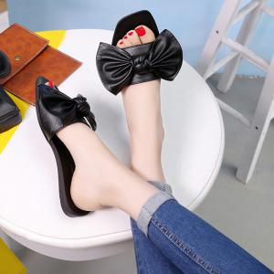 Bowknot Flat Heel Faux Leather Slippers -
