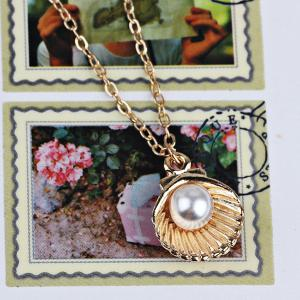 Artificial Pearl Shell Pendant Necklace - GOLDEN