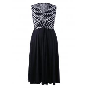 Plus Size Monochrome Empire Waist Flowing Dress