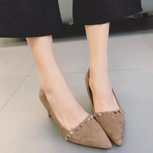 Metal Rivets Mid Heel Pumps -