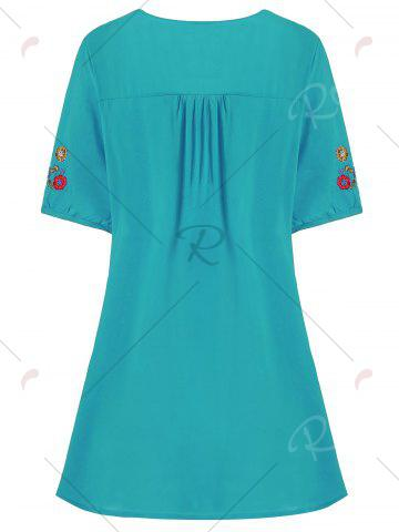 Cheap Plus Size Floral Embroidered Tunic Top - 3XL LAKE BLUE Mobile