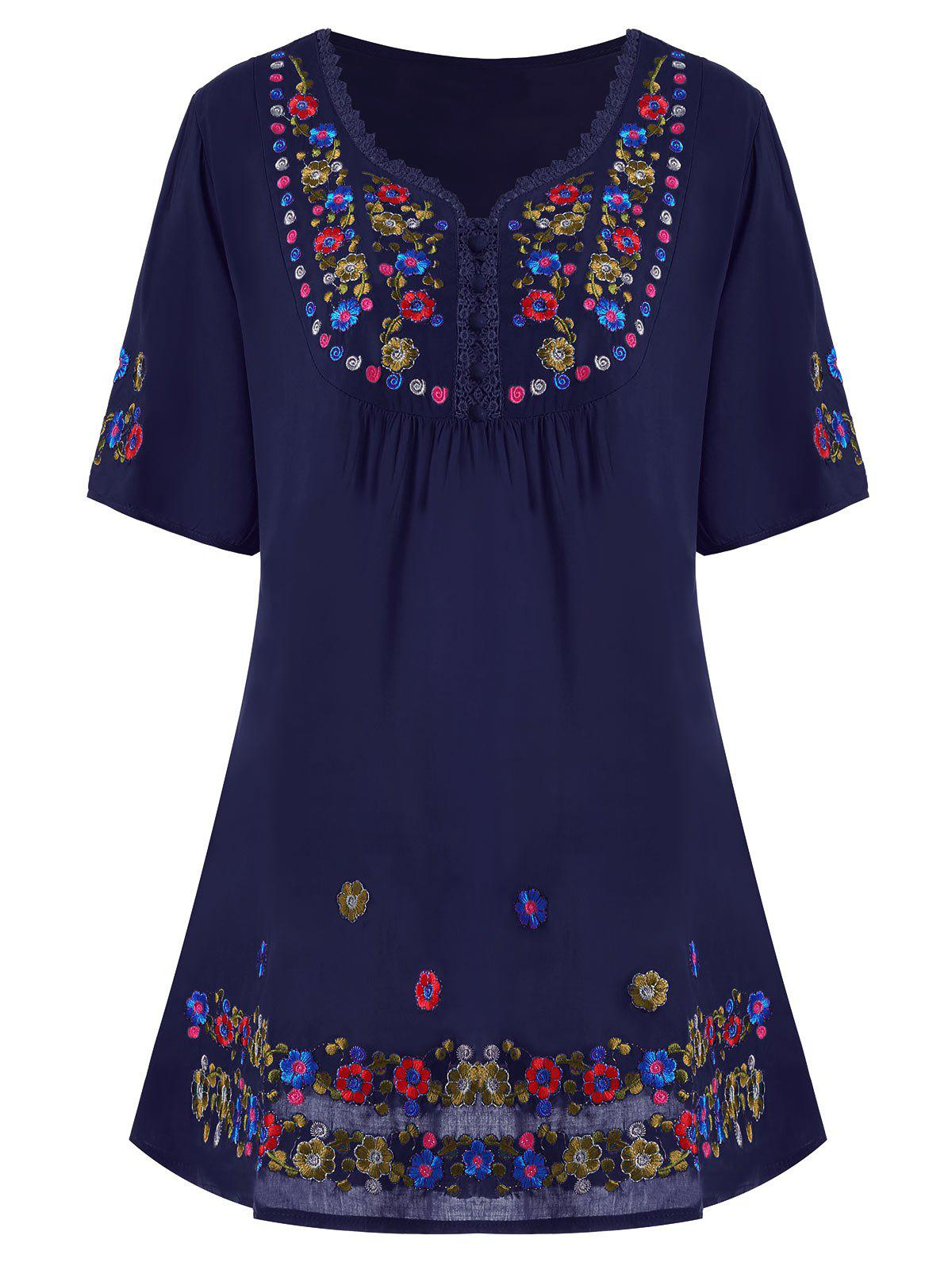 Store Plus Size Floral Embroidered Tunic Top