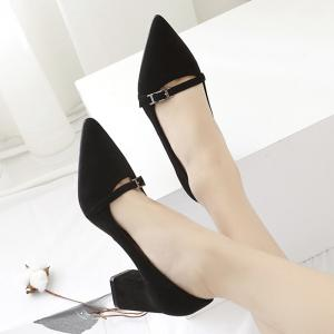 Contrast Buckle Strap Block Heel Pumps - BLACK 37
