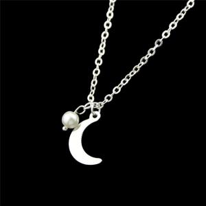 Moon Pendant Necklace - SILVER