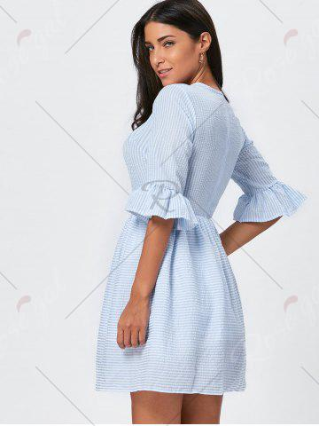 Online Ruffle Sleeve Striped Seersucker Dress - M LIGHT BLUE Mobile