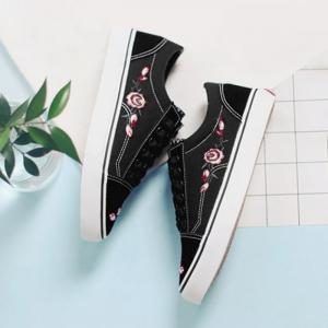 Flower Embroidered Canvas Shoes - BLACK 39