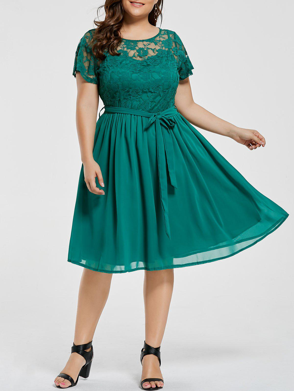 Plus Size Overlay Lace Panel DressWOMEN<br><br>Size: 6XL; Color: GREEN; Style: Casual; Material: Cotton,Polyester; Silhouette: A-Line; Dresses Length: Knee-Length; Neckline: Round Collar; Sleeve Length: Short Sleeves; Embellishment: Lace; Pattern Type: Solid; With Belt: No; Season: Fall,Summer; Weight: 0.3500kg; Package Contents: 1 x Dress;