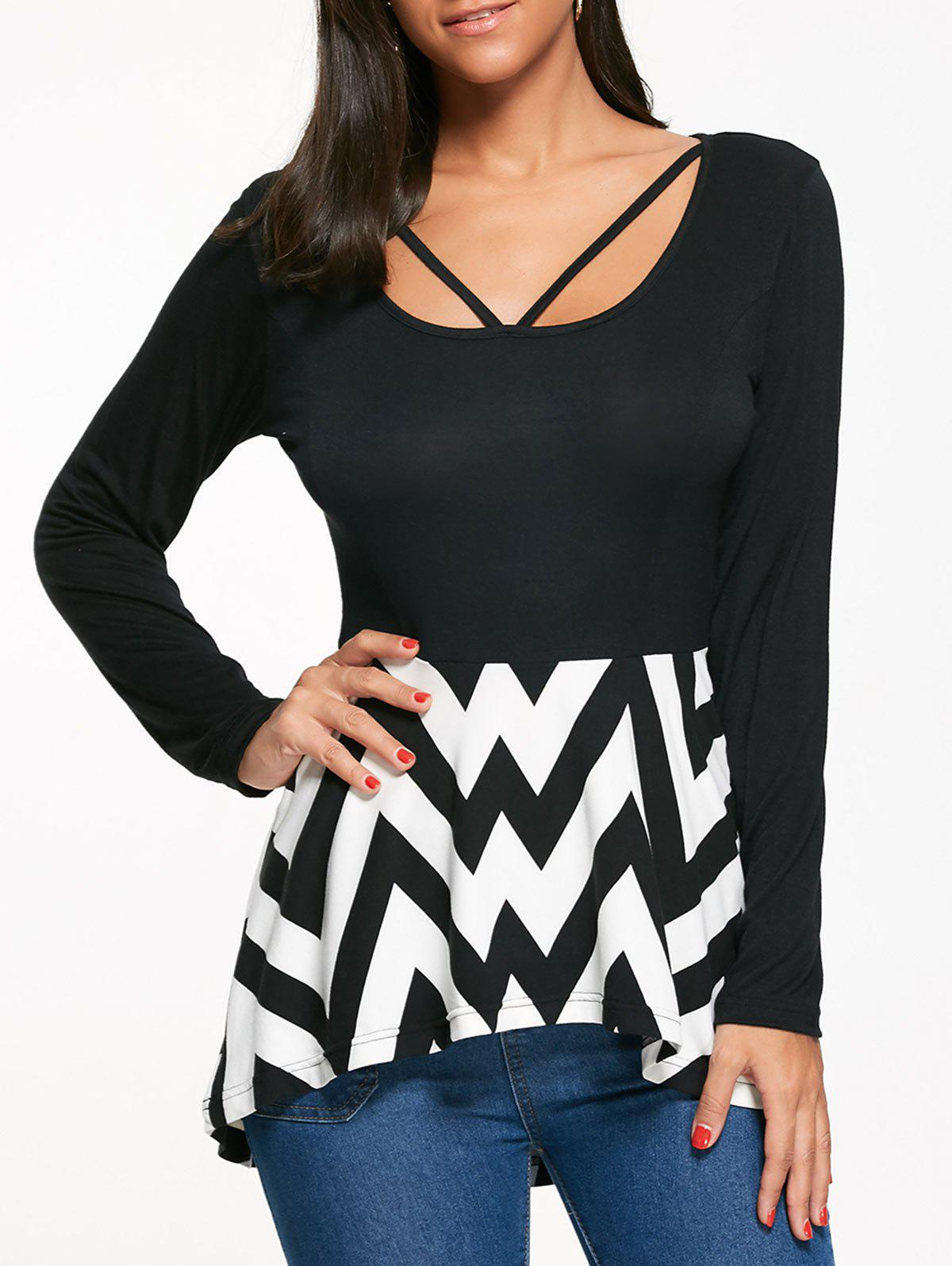 Zigzag Print Long Sleeve Peplum T-shirtWOMEN<br><br>Size: 2XL; Color: WHITE AND BLACK; Material: Polyester,Spandex; Shirt Length: Regular; Sleeve Length: Full; Collar: U Neck; Style: Casual; Pattern Type: Chevron/Zig Zag,Print; Season: Fall,Spring; Elasticity: Elastic; Weight: 0.2900kg; Package Contents: 1 x T-shirt;
