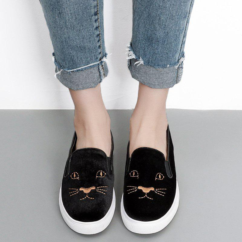 Latest Embroidery Velvet Slip On Sneakers