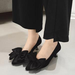 Bowknot Faux Suede Pumps -