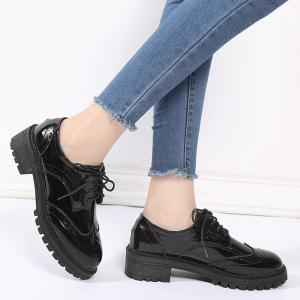 Patent Leather Wingtip Lace Up Flat Shoes - BLACK 35