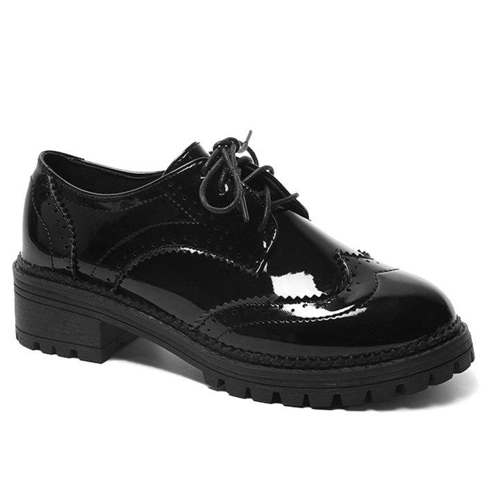 Patent Leather Wingtip Lace Up Flat ShoesSHOES &amp; BAGS<br><br>Size: 40; Color: BLACK; Gender: For Women; Flat Type: Ballet Flats; Toe Style: Closed Toe; Toe Shape: Round Toe; Closure Type: Lace-Up; Shoe Width: Medium(B/M); Pattern Type: Solid; Occasion: Casual; Upper Material: Patent Leather; Season: Spring/Fall; Weight: 1.2000kg; Heel Height Range: Med(1.75-2.75); Heel Height: 4CM; Package Contents: 1 x Flat Shoes (pair);