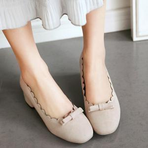 Scallop Bowknot Chunky Pumps - BEIGE 41