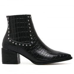 Pointed Toe Stone Pattern Rivets Boots -