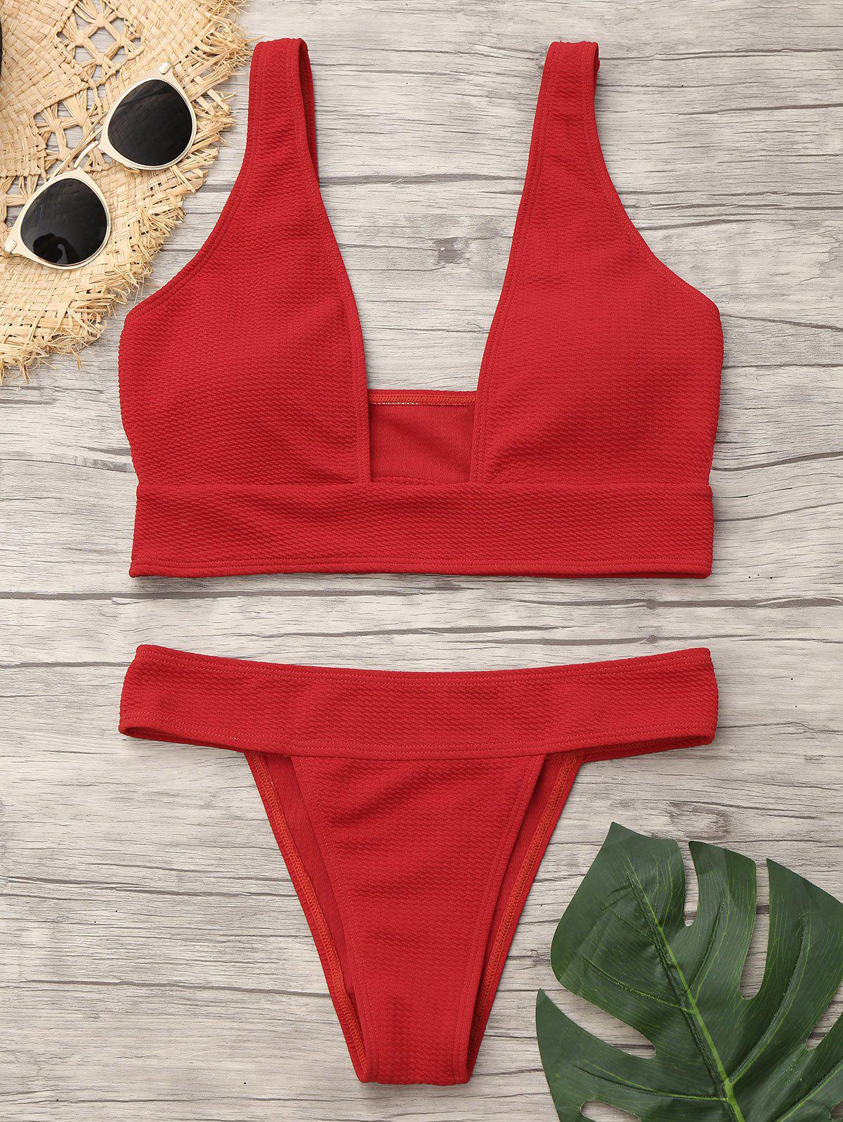 Plunging Neckline Low Waist BikiniWOMEN<br><br>Size: M; Color: RED; Swimwear Type: Bikini; Gender: For Women; Material: Nylon,Spandex; Bra Style: Padded; Support Type: Wire Free; Neckline: Plunging Neck; Pattern Type: Solid Color; Waist: Low Waisted; Elasticity: Elastic; Weight: 0.1900kg; Package Contents: 1 x Bra  1 x Panties;
