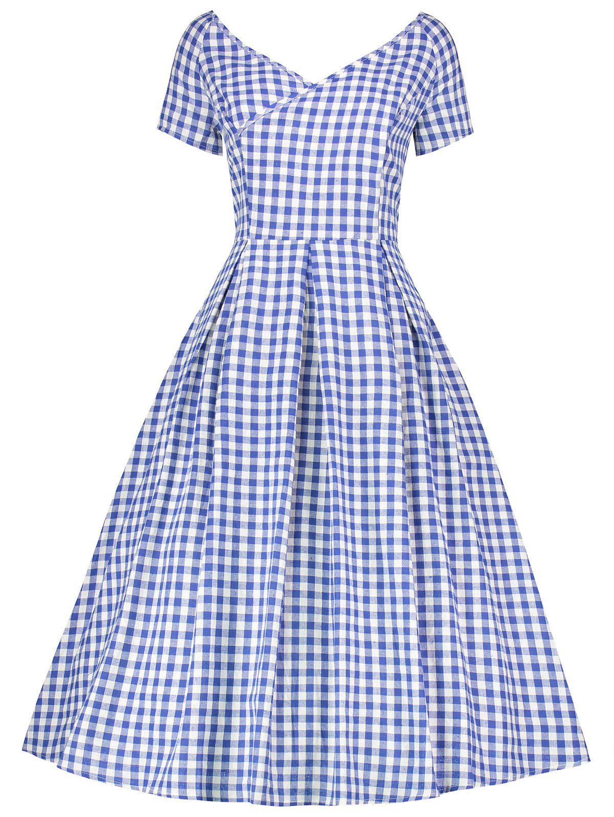 Vintage Plaid V Neck Plus Size DressWOMEN<br><br>Size: 4XL; Color: BLUE; Style: Vintage; Material: Cotton,Polyester; Silhouette: A-Line; Dresses Length: Mid-Calf; Neckline: V-Neck; Sleeve Length: Short Sleeves; Pattern Type: Plaid; With Belt: No; Season: Fall,Spring,Summer; Weight: 0.4050kg; Package Contents: 1 x Dress;