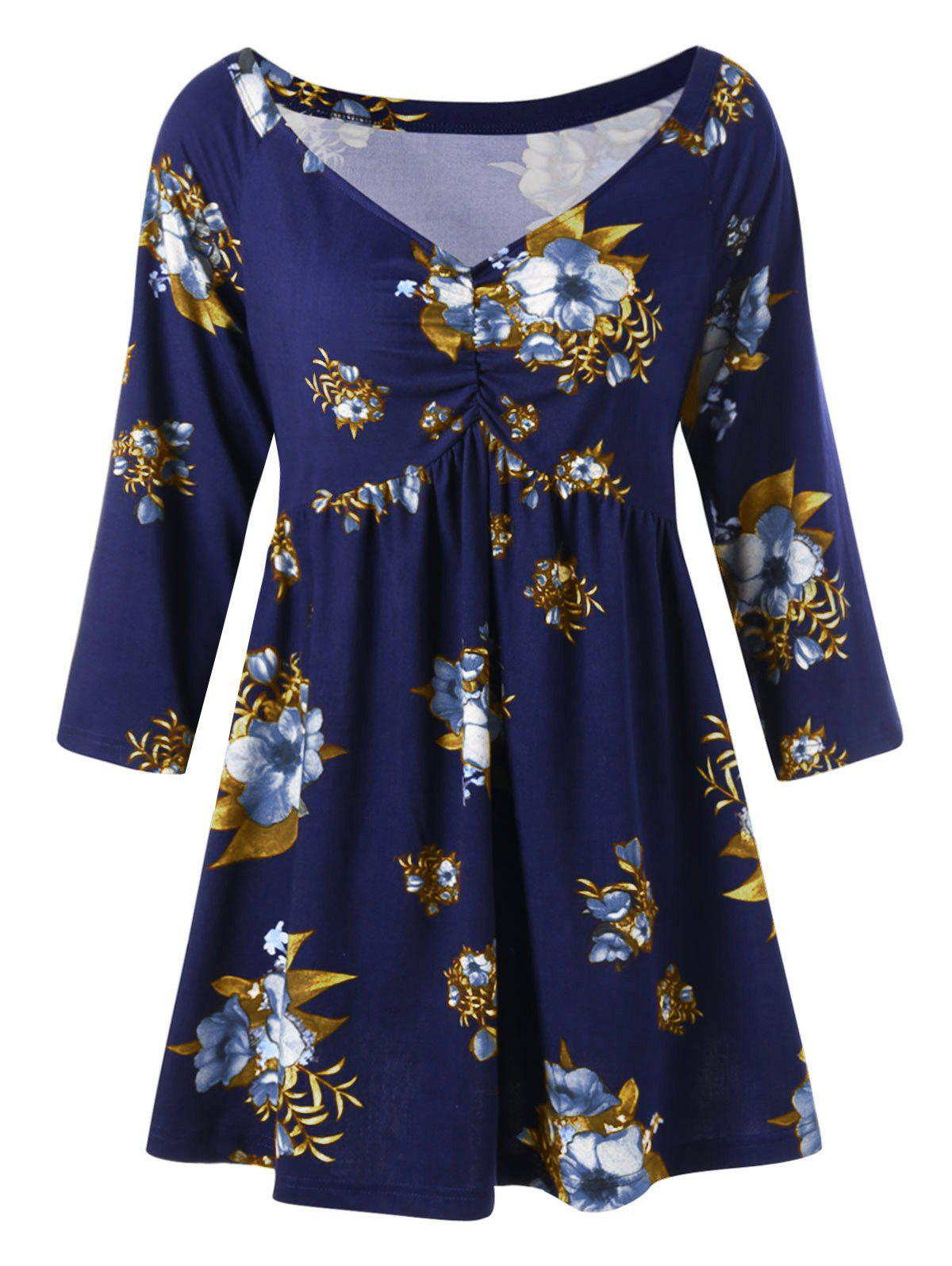 Plus Size Floral Print Tunic T-shirtWOMEN<br><br>Size: 3XL; Color: BLUE AND YELLOW; Material: Polyester,Spandex; Shirt Length: Regular; Sleeve Length: Three Quarter; Collar: V-Neck; Style: Fashion; Season: Fall; Pattern Type: Floral; Weight: 0.3000kg; Package Contents: 1 x T-shirt;