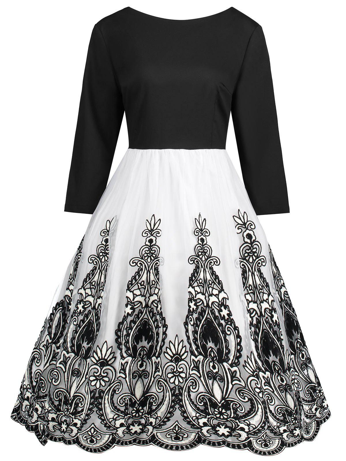 Plus Size Boat Neck Floral Tulle Panel DressWOMEN<br><br>Size: 4XL; Color: BLACK; Style: Casual; Material: Polyester; Silhouette: A-Line; Dresses Length: Knee-Length; Neckline: Boat Neck; Sleeve Length: 3/4 Length Sleeves; Embellishment: Lace; Pattern Type: Floral; With Belt: No; Season: Fall,Spring; Weight: 0.4750kg; Package Contents: 1 x Dress;