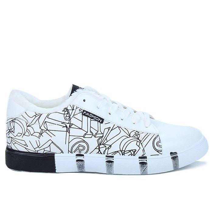 Outfit Scrawl Print Color Block Striped Skate Shoes