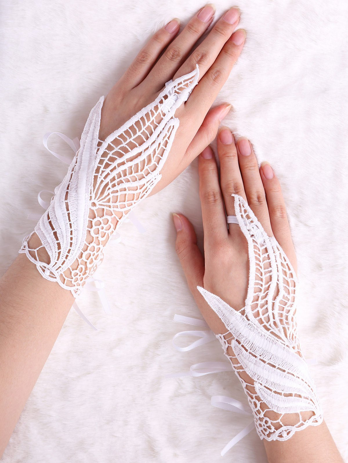 Discount Hollow Out Feather Shape Lace Fingerless Gloves