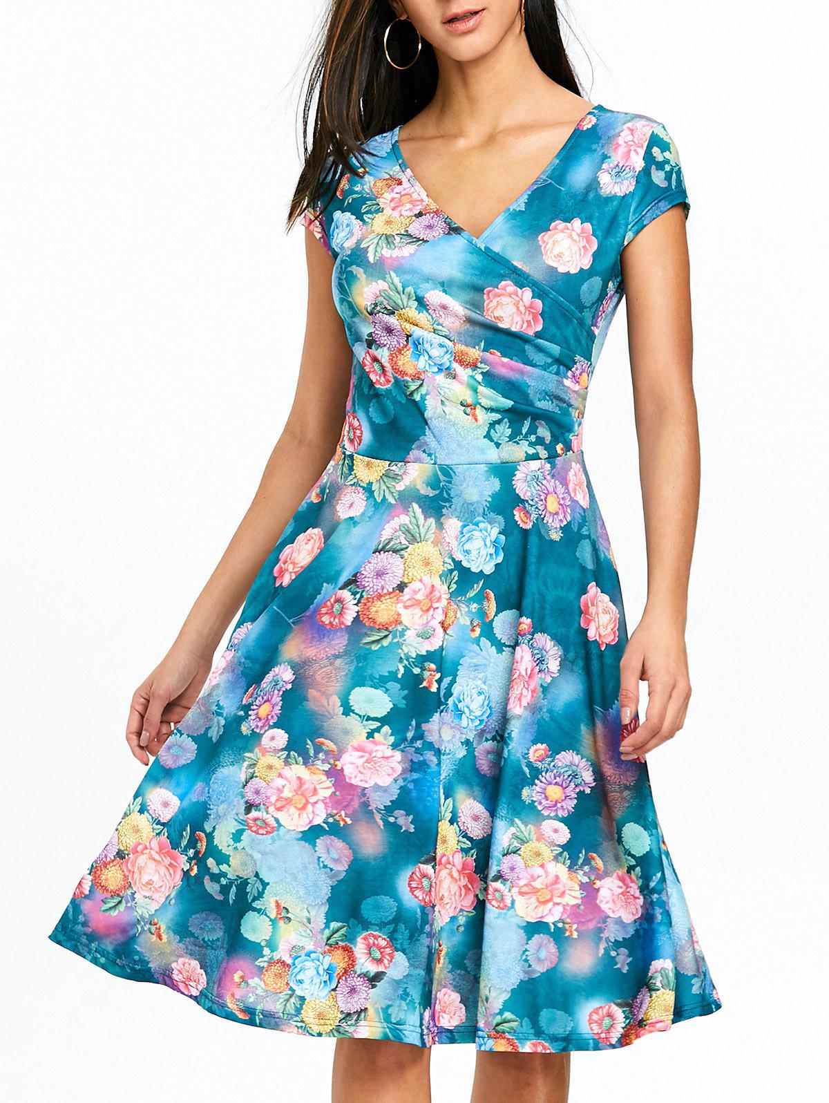b43ae8ed42 2019 Surplice Floral Printed Skater Dress