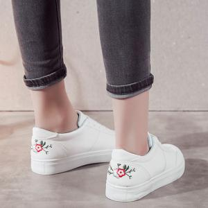 Round Toe Floral Embroidery Skate Shoes -