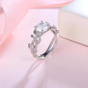 Faux Diamond Rhinestone Wreath Design Ring -