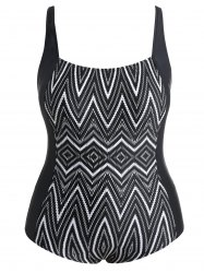 Plus Size Zigzag Print Swimsuit -