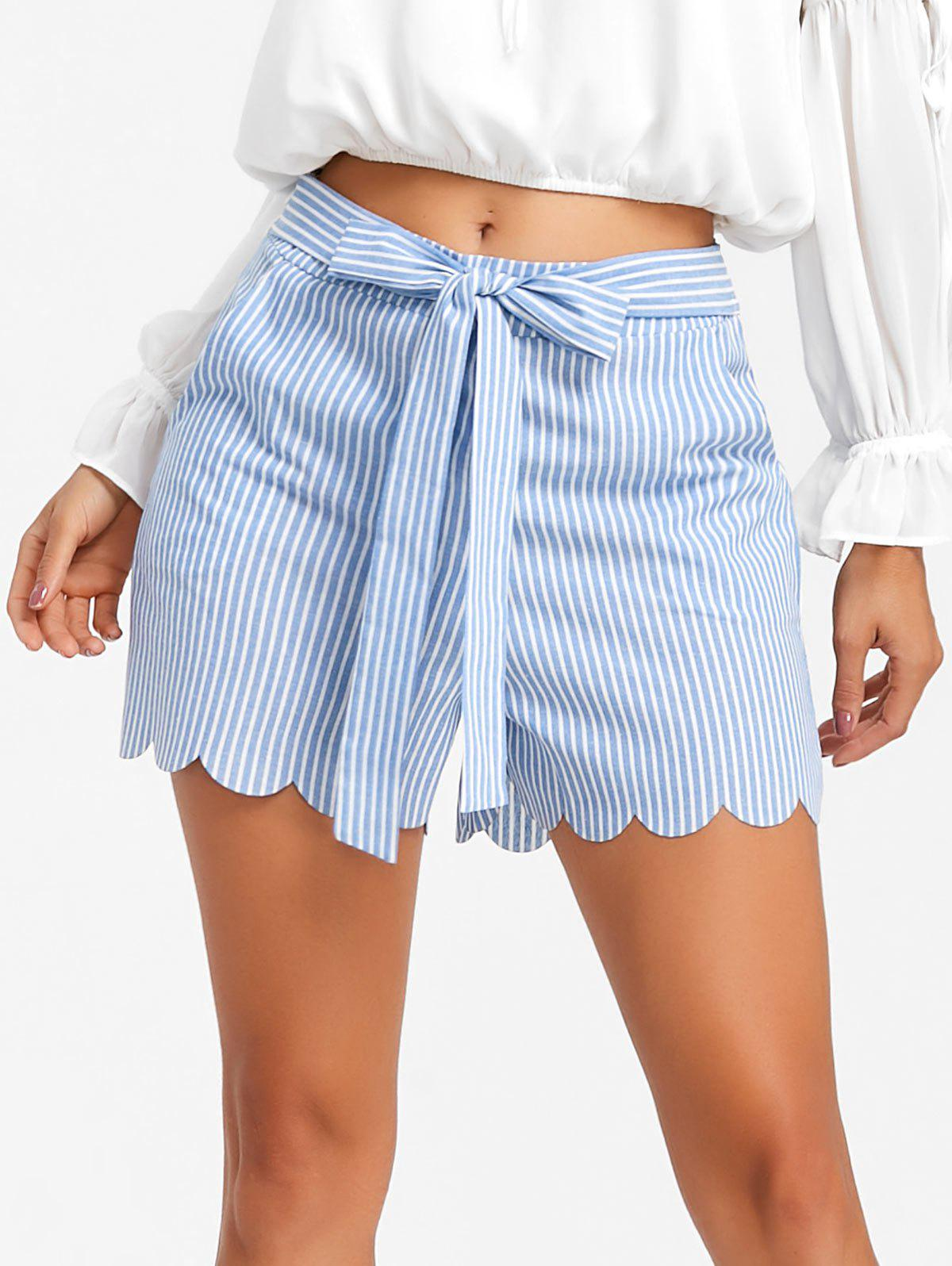 Discount Bowknot Scalloped Stripe Shorts