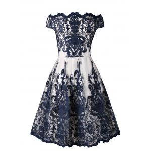 Arab Pattern Plus Size Lace Dress -