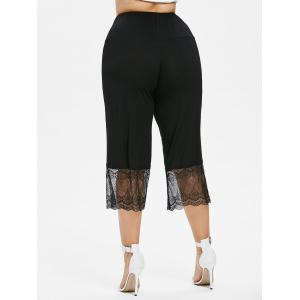 Plus Size Lace Trim Cropped Leggings -