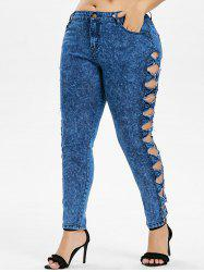 Plus Size Bowknot Cut Jeans -