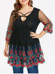 Plus Size Embroidery Keyhole Neck T-shirt -