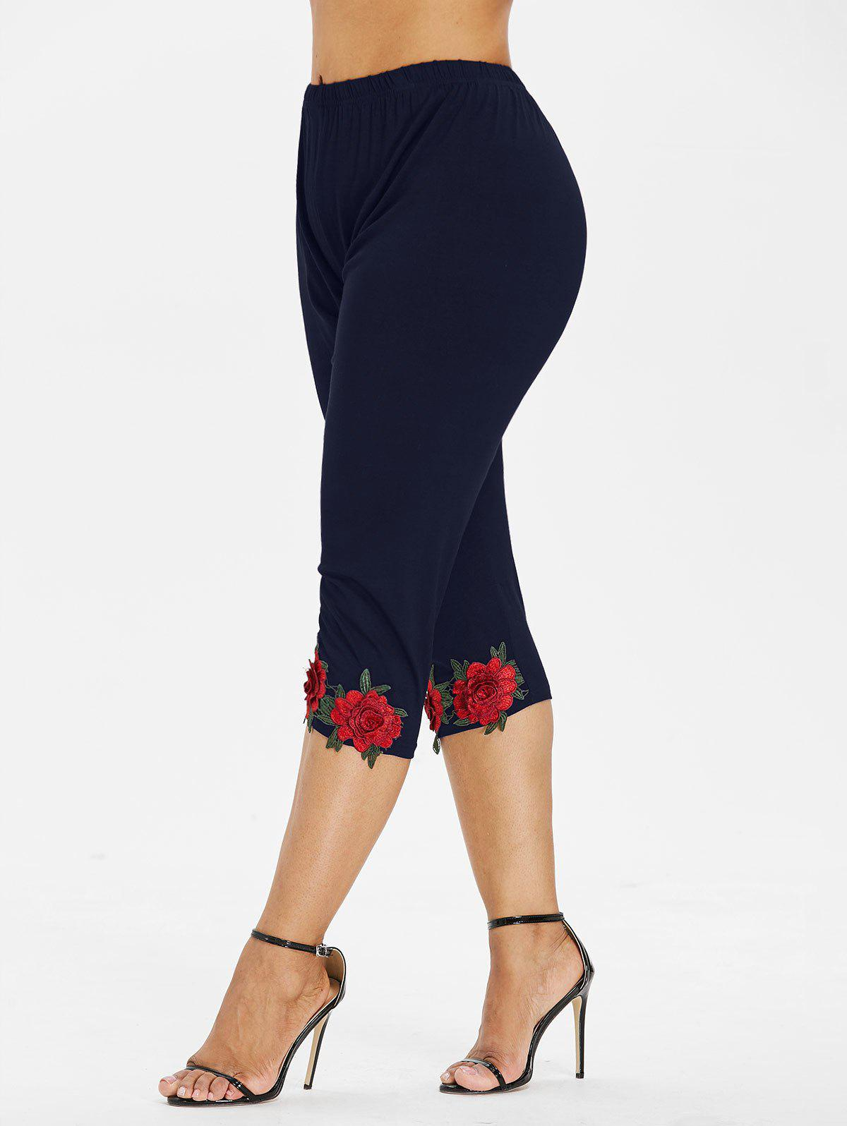 Fancy Plus Size Flower Applique Leggings