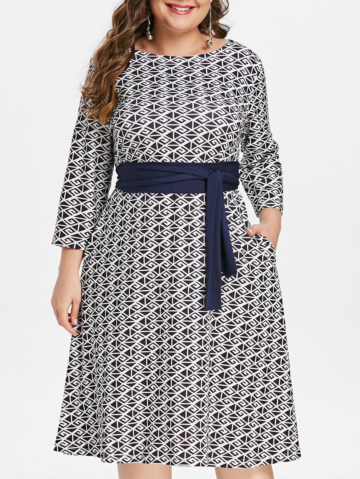 Fashion Printed Plus Size Round Neck Fit and Flare Dress